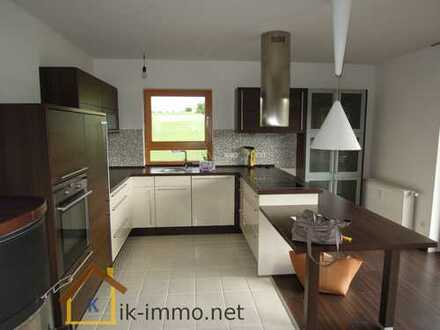 Hochwertige neu renovierte 4-Zimmer-Wohnung über 2 Etagen mit über 125 m² Wfl. in Geiselbach