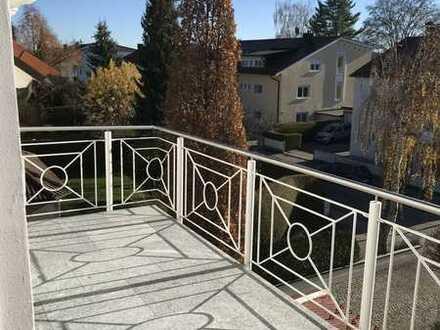 Traumhafte 3-Zimmer-Wohnung im 2. OG mit großem Südbalkon und herrlichem Blick auf die Alpen