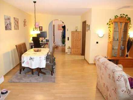 Gepflegte, ruhige Wohnung mit Balkon, Kamin und EBK in Bad Münstereifel
