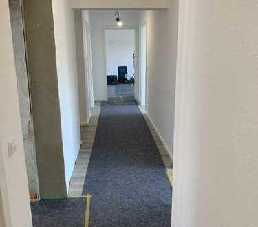 1.000 €, 110 m², 3,5 Zimmer