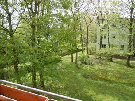 Gepflegte 1-Zimmer-Wohnung mit Balkon und EBK in Buckow (Neukölln), Berlin