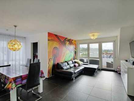 Moderne Maisonette-Wohnung mit Balkon