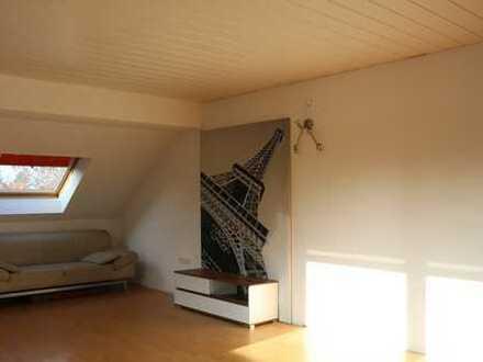 Schöne 2-Zimmer-DG-Wohnung mit EBK in Mannheim