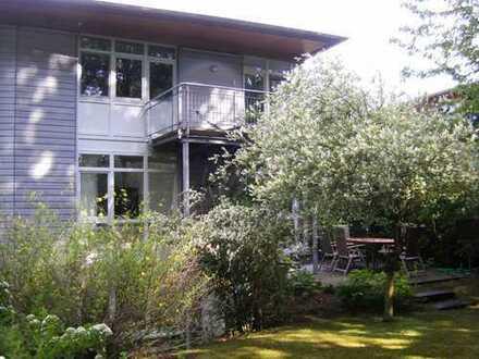 Moderne, familienfreundliche Doppelhaushälfte mit Einliegerwohnung und Garten