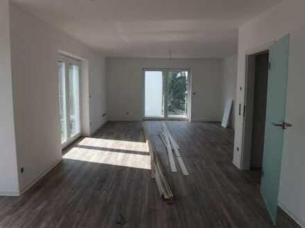 Neubau-Erstbezug, schicke 5-Zimmer-Maisonette-Wohnung mit 2 Balkone +Garage (Duplex)WHG.4