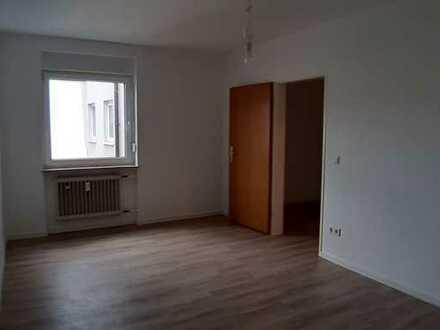 Vollständig renovierte 3,5-Zimmer-Wohnung mit Balkon in Mannheim