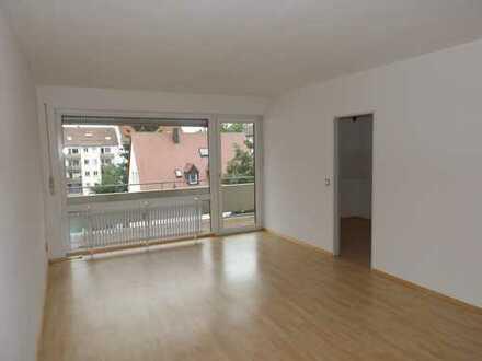 Mitten in Neu-Ulm, große, helle 4-Zimmerwohnung