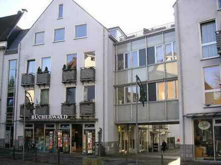 Schöne helle 3 Zimmer in der Fußgängerzone von Solingen-Wald!