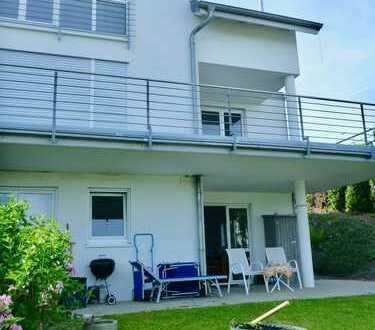 Schöne, sonnige Wohnung mit Gartenanteil, 2 Zimmer, Einbauküche, Hanglage mit Weitblick über Lörrach