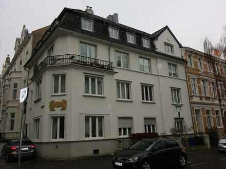 Frisch renovierte 4-Zimmer-Altbauwohnung in der Bonner Südstadt