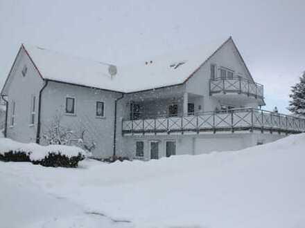 Hochwertig ausgestattete 3,5-Zimmer-DG-Wohnung mit Balkon und EBK in Horb-Dettensee