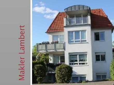 Großzügig und hell mit Balkon und Tiefgaragenstellplatz in Rahlstedt