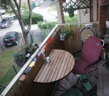 zentrale 2,5-Zimmer-Wohnung mit schnuckeligem Balkon