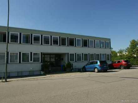 REMAX Germering  Helles Büro ( 150m² ) in zentraler Lage von Germering zu vermieten.
