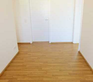 Modernisierte 4-Zimmer-Wohnung am Feldmochinger Anger!