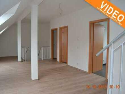 Perfekt für eine 3-er WG!!! Kernsanierte Maisonettewohnung mit Balkon im 2-Familienhaus in Dinslaken