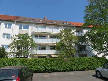 *List* repräsentative 5-Zi.-Wohnung mit Balkon.