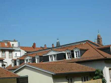 Exklusive 2-Zimmer-Dachgeschosswohnung im Herzen von Heidelberg