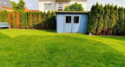 Ohne Maklerprovision!Das Haus im Haus!Exklusive 5-Zi-Wohnung*Garten 300qm*EBK*Niddatal (Ilbenstadt)
