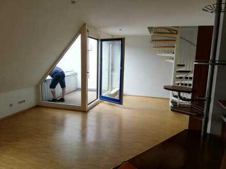 Stilvolle, gepflegte 2-Zimmer-Maisonette-Wohnung mit Balkon und Einbauküche in Stuttgart-Vaihingen