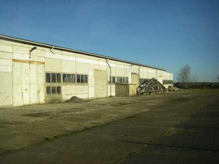 2 Gewerbehallen und 11092 qm Grundstück