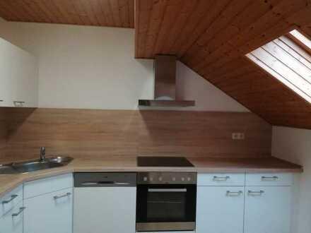 Einzelperson gesucht - Schöne 3-Zimmer-Dachgeschosswohnung mit Einbauküche in Schwäbisch Gmünd
