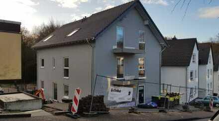 Erstbezug mit Balkon: exklusive 4-Zimmer-DG in Bergisch Gladbach- Sand
