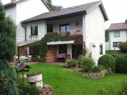 Gemütliches Haus im Grünen in ruhiger, waldnaher, zentraler Lage in Kaiserslautern, Innenstadt