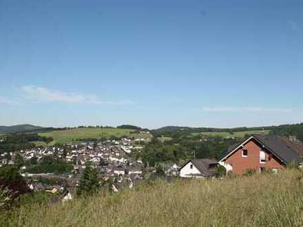Zwischen Stadt und Natur! Schönes, großzügiges Baugrundstück am Stadtrand von Bad Berleburg