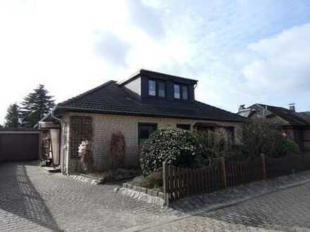 Gepflegtes Einfamilienhaus mit Garage