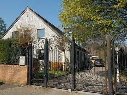 Extravagantes Anwesen mit Pool in gefragter Lage des Duisburger Südens