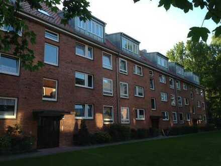 Schicke 2-Zimmer-Dachgeschoss-Wohnung mit Balkon und hochwertiger Ausstattung