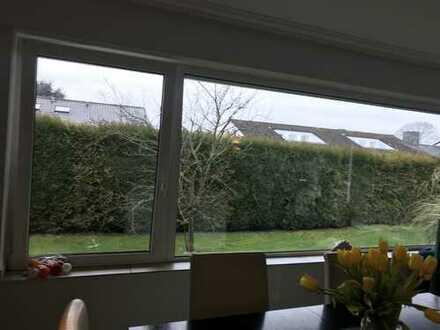 Exklusive, geräumige 3-Zimmer-Terrassenwohnung mit EBK in Meerbusch