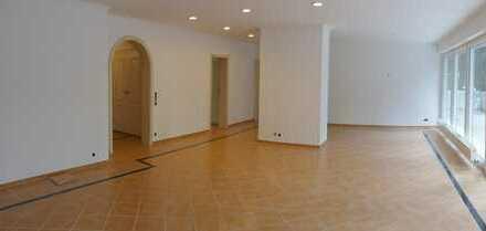 Zentrale 4-Zimmer-Wohnung mit Blick ins Grüne in Bad Homburg vor der Höhe