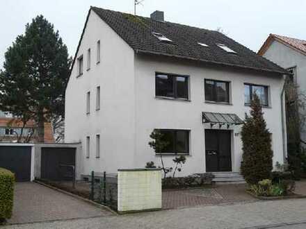 Top-(Studenten)-DG-Wohnung in Bestlage zu TH/Klinikum inkl. Einbauküche!
