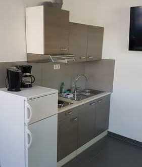 Top 1 Zimmer Wohnung mit eigenem Eingang inkl. Einbauküche nach Vereinbarung möbliert