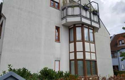 Helle, geräumige drei Zimmer Wohnung in Karlsruhe, Neureut, Alte Kreisstr