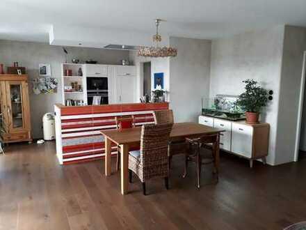 Eigentumswohnung mit 3Zi., Küche, Bad, Gäste-WC und Balkon in Kassel Mitte nahe vorderer Westen
