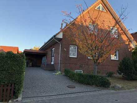 Schönes, geräumiges und voll unterkellertes Einfamilienhaus in Schwerin, Neumühle