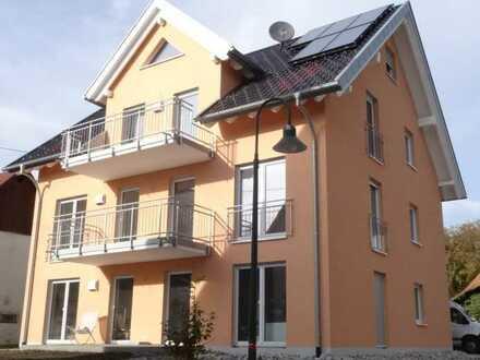 Helle, ruhige 3-Zimmer-EG-Wohnung mit Terrasse und EBK