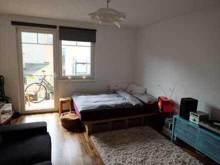 Central furnised room / Zentrales, möbiliertes Zimmer 10.02.-17.03.19