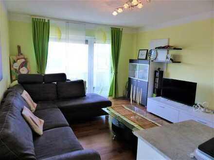 Helle 3,5-Zimmer-Wohnung mit zwei Balkonen und Stellplatz