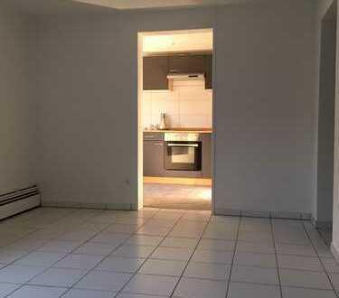 IDEAL FÜR PENDLER 2019 komplett neu saniert -mit EBK :1-Zimmer-Wohnung in Leonberg - Silberberg