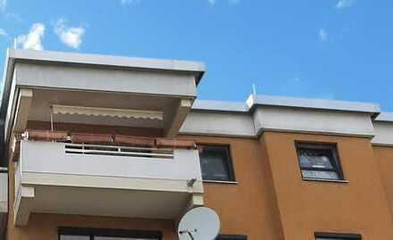 Gut geschnittene 4 Zimmer Wohnung mit Balkon