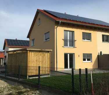 Schönes Haus mit 4 Zimmern+Technikraum in Kelheim (Kreis), Siegenburg