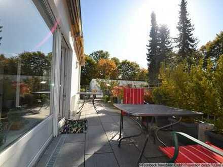 Harlaching/Menterschwaige: 3 Zimmer Wohnung mit umlaufender Dachterrasse - Lift vorhanden
