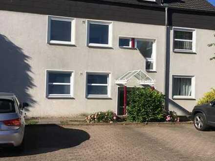 Tolle 3-4 Zimmer Dachgeschosswohnung mit Balkon sucht Nachmieter!