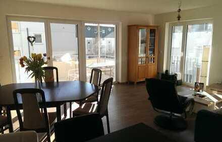 Neuwertige 3-Zimmer-Wohnung mit Balkon und Einbauküche in Laupheim