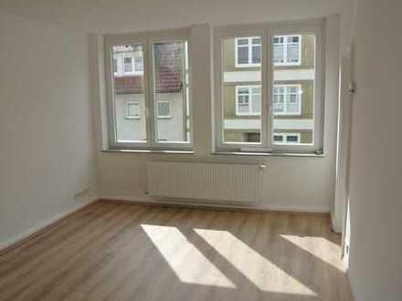 Super Schnitt ! 3 Zimmer Wohnung mit Balkon am Rott !