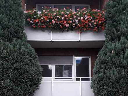 geräumige 2,5 Zimmerwohnung mit Balkon im Erdgeschoss